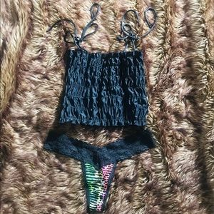 👑 NEW SEXY BUNDLE OF URBAN OUTFITTERS TOP & VS